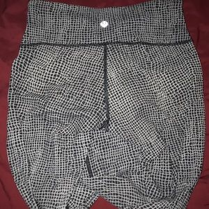 Wunder under Pattern leggings used condition